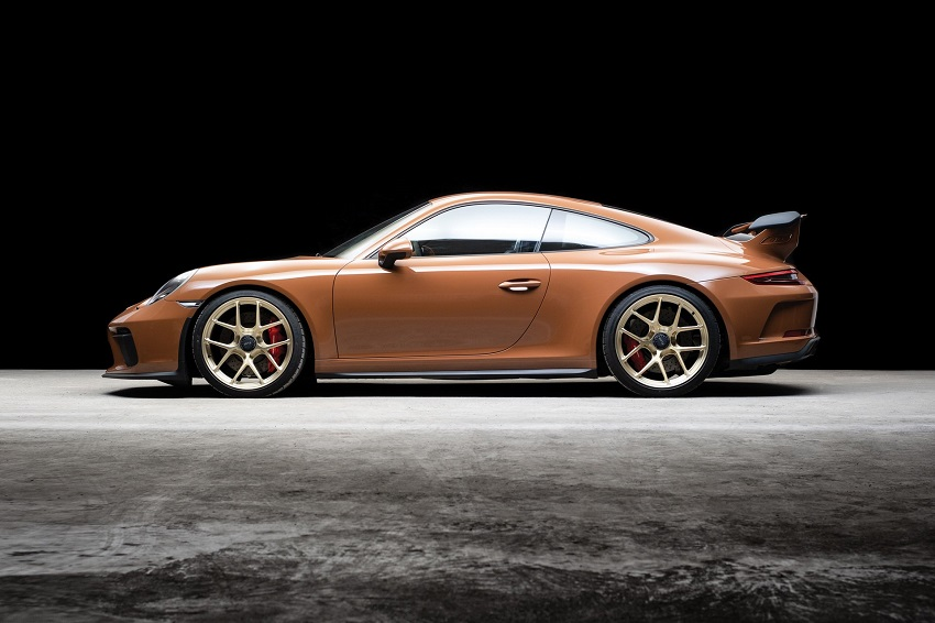 Chiếc Porsche 911 GT3 lạ mắt với màu sơn nâu phong cách thập niên 70 - 15