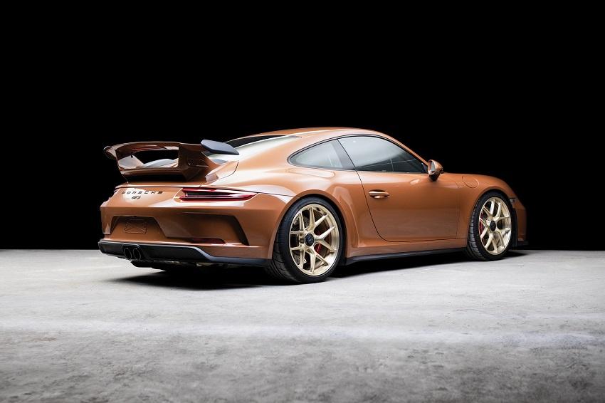 Chiếc Porsche 911 GT3 lạ mắt với màu sơn nâu phong cách thập niên 70 - 2