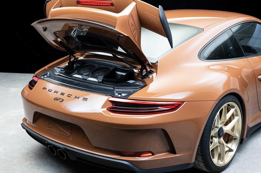 Chiếc Porsche 911 GT3 lạ mắt với màu sơn nâu phong cách thập niên 70 - 3