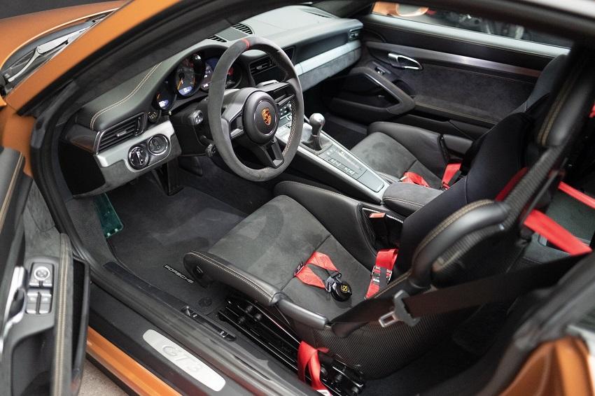 Chiếc Porsche 911 GT3 lạ mắt với màu sơn nâu phong cách thập niên 70 - 4