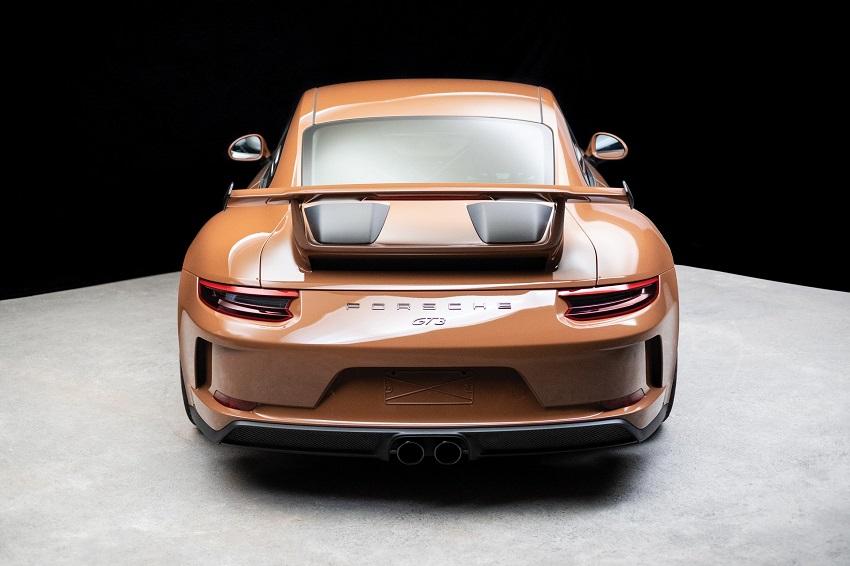 Chiếc Porsche 911 GT3 lạ mắt với màu sơn nâu phong cách thập niên 70 - 7