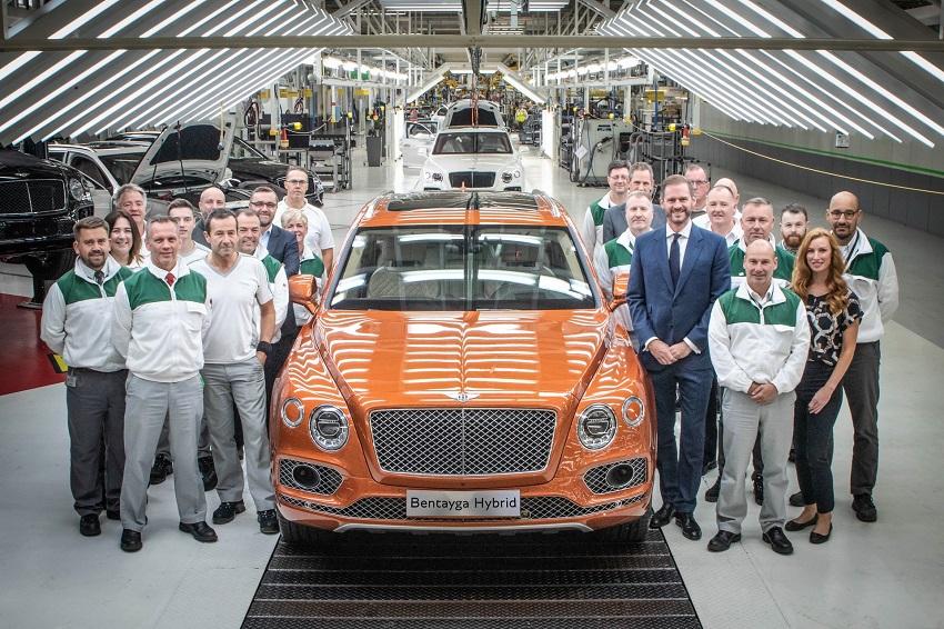 Bentley bắt đầu giao hàng mẫu xe điện khí hóa đầu tiên Bentayga Hybrid - 3