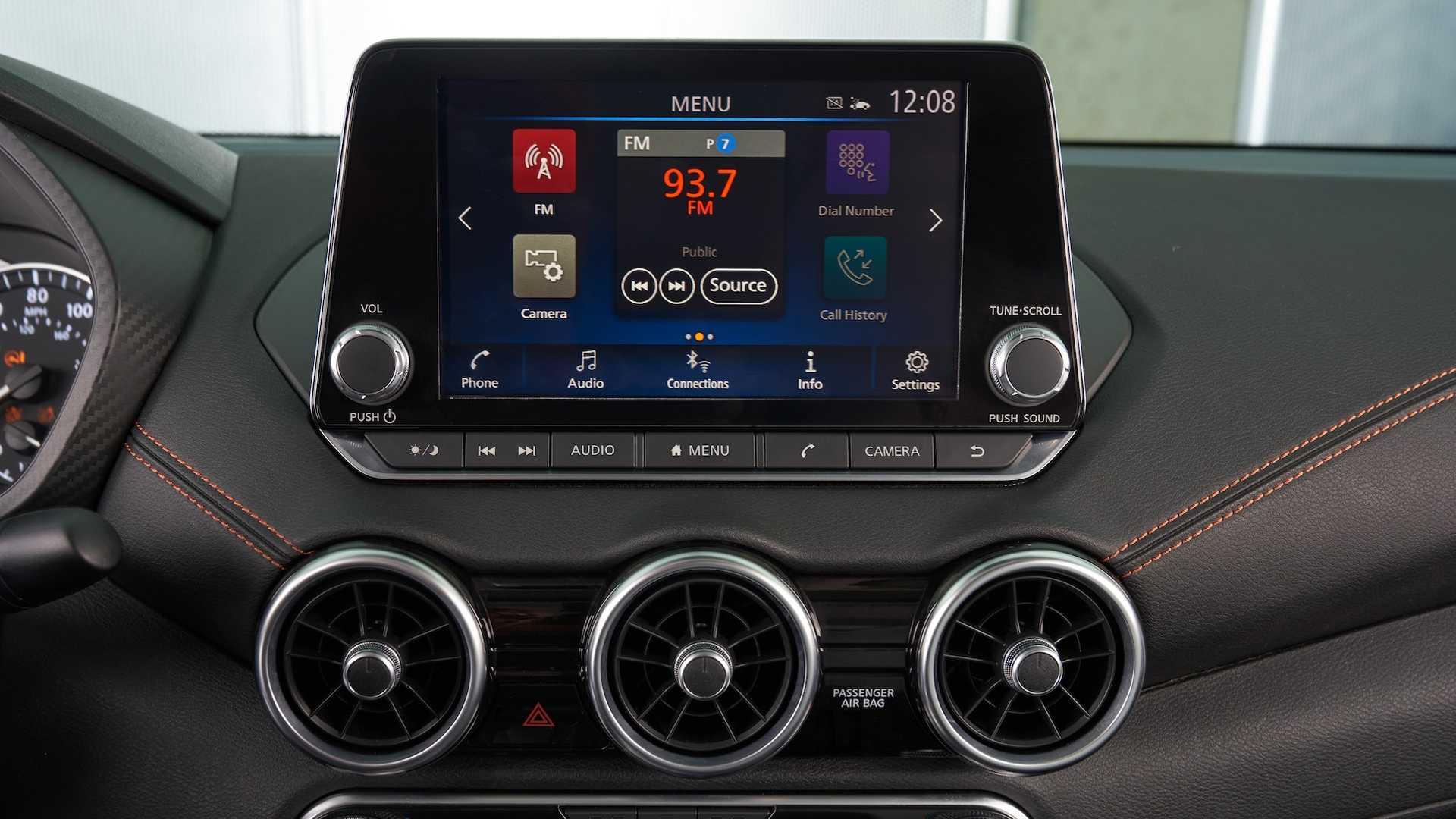 Nissan Sentra thế hệ mới đối đầu trực tiếp với Honda Civic hay Mazda3 - 18