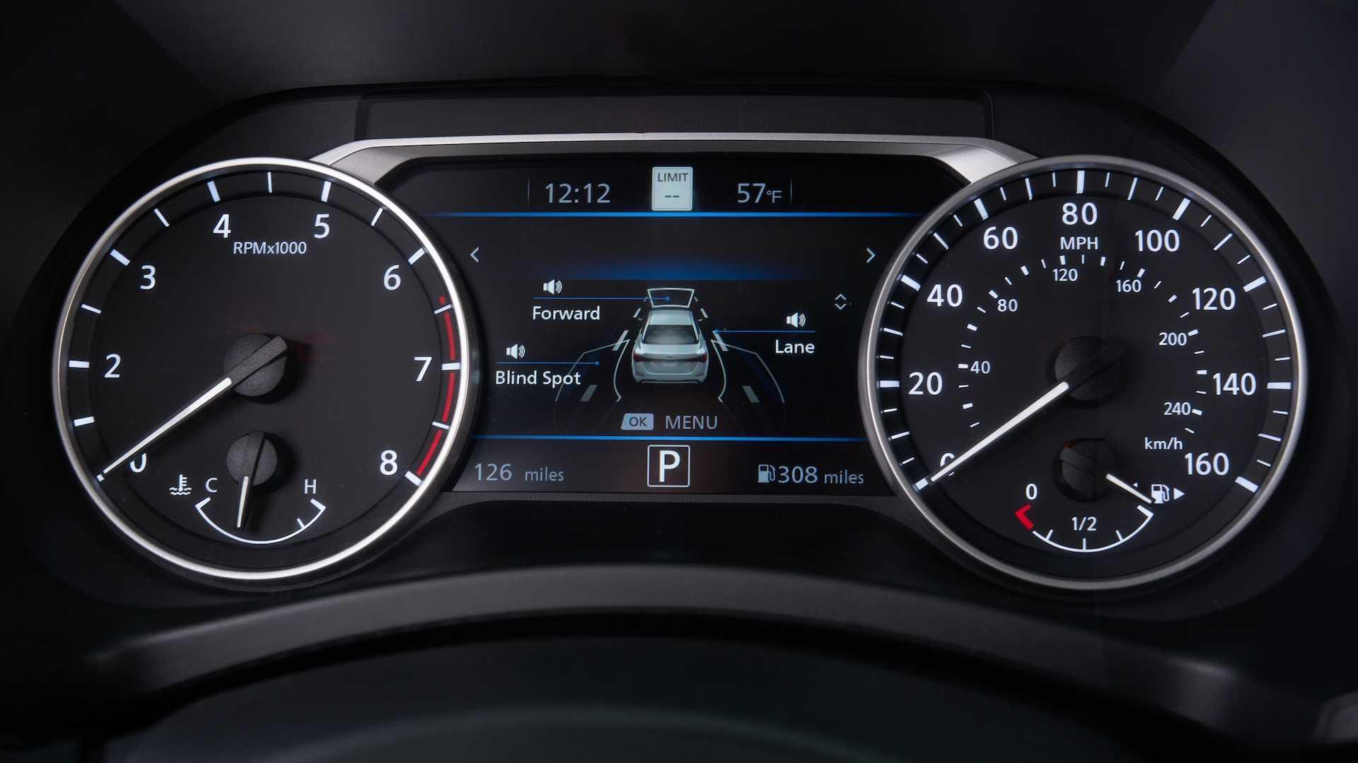Nissan Sentra thế hệ mới đối đầu trực tiếp với Honda Civic hay Mazda3 - 16