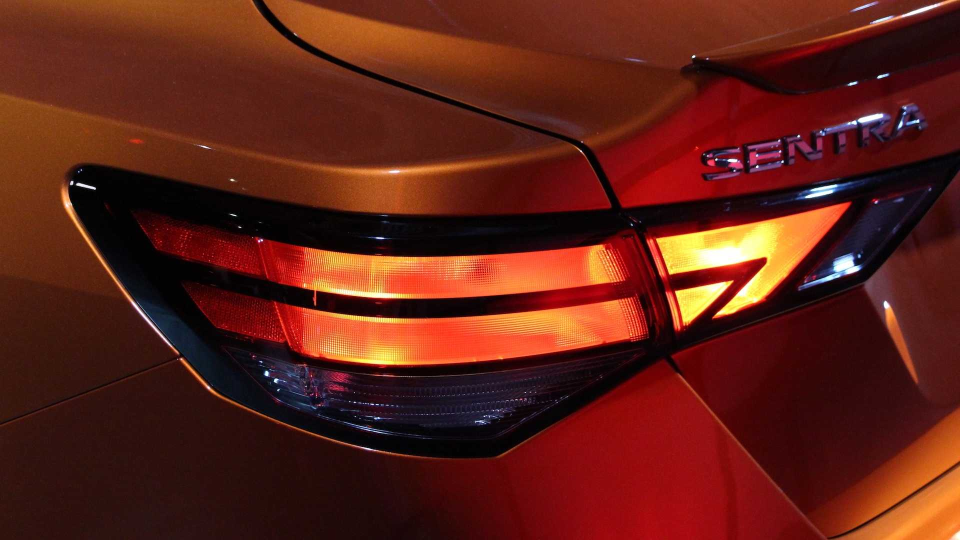 Nissan Sentra thế hệ mới đối đầu trực tiếp với Honda Civic hay Mazda3 - 5