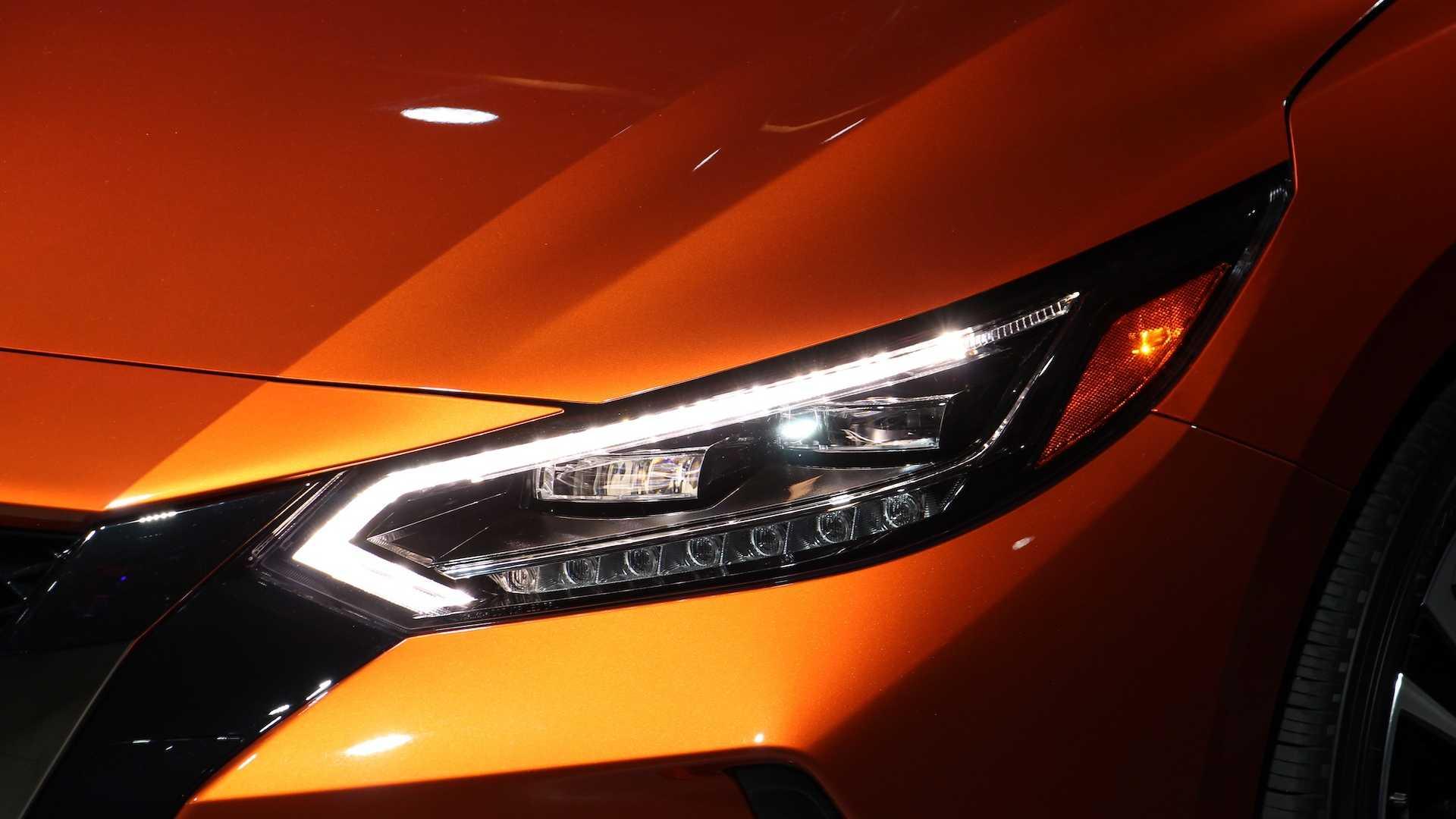Nissan Sentra thế hệ mới đối đầu trực tiếp với Honda Civic hay Mazda3 - 4