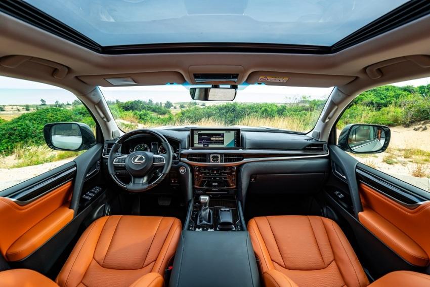 Lexus LX 570 mới phiên bản 2020 - 1