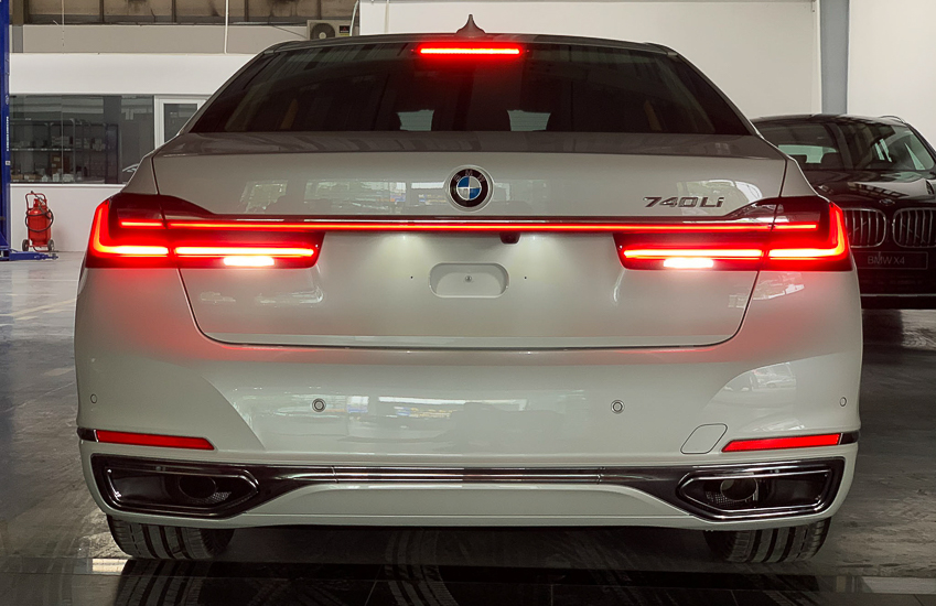 Cận cảnh BMW 740Li 2020 giá 5,6 tỷ đồng - 20