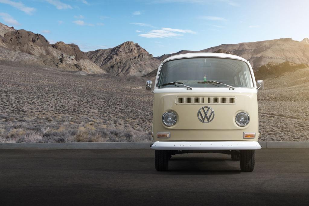 Volkswagen Type 2 đời 1972 được phục chế thành xe điện - 4