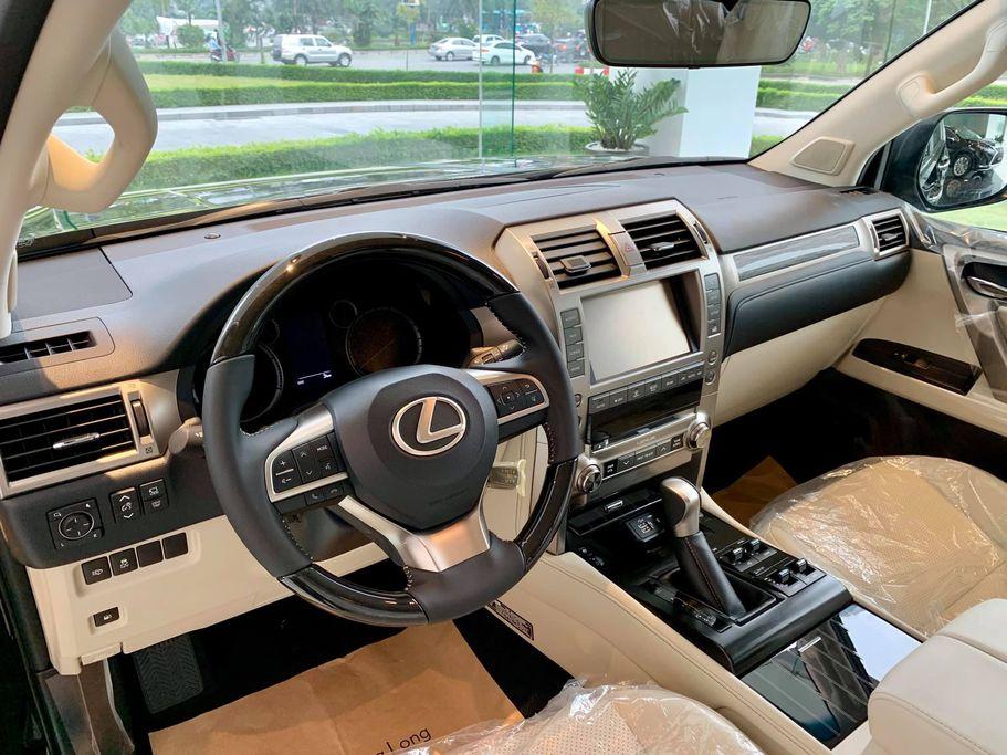 Lexus GX 460 2020 về đại lý - 3