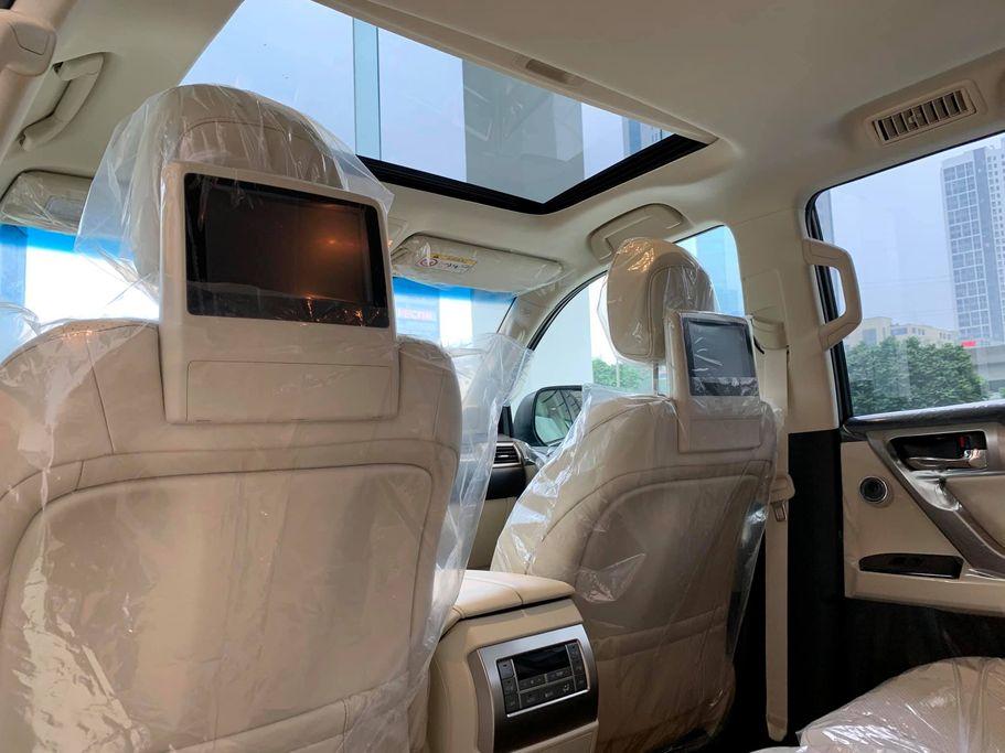 Lexus GX 460 2020 về đại lý - 10