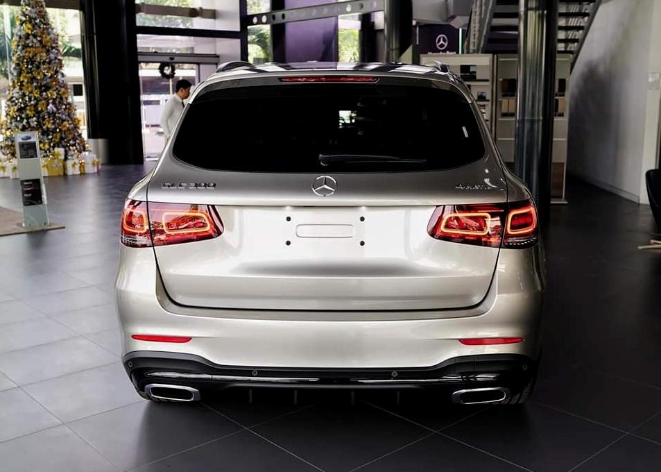 thông tin về trang bị trên Mercedes-Benz GLC 300 - 30