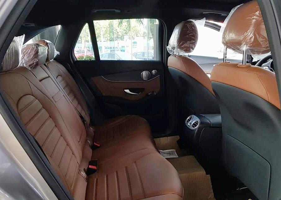 thông tin về trang bị trên Mercedes-Benz GLC 300 - 4