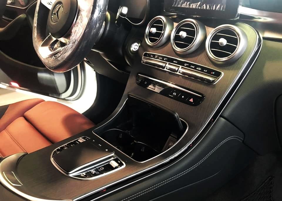 thông tin về trang bị trên Mercedes-Benz GLC 300 - 6