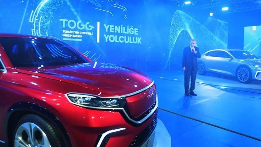 Tổng thống Thổ Nhĩ Kỳ lái ô tô điện