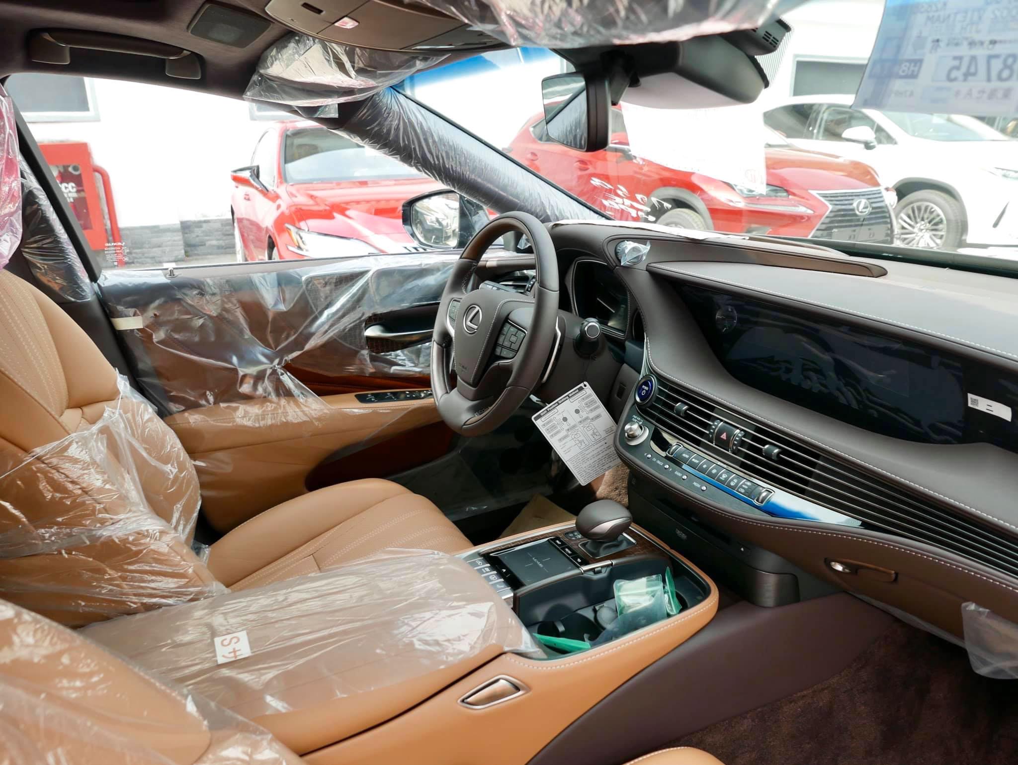 Lexus LS500h, giá 7,83 tỉ đồng tại Việt Nam - 4