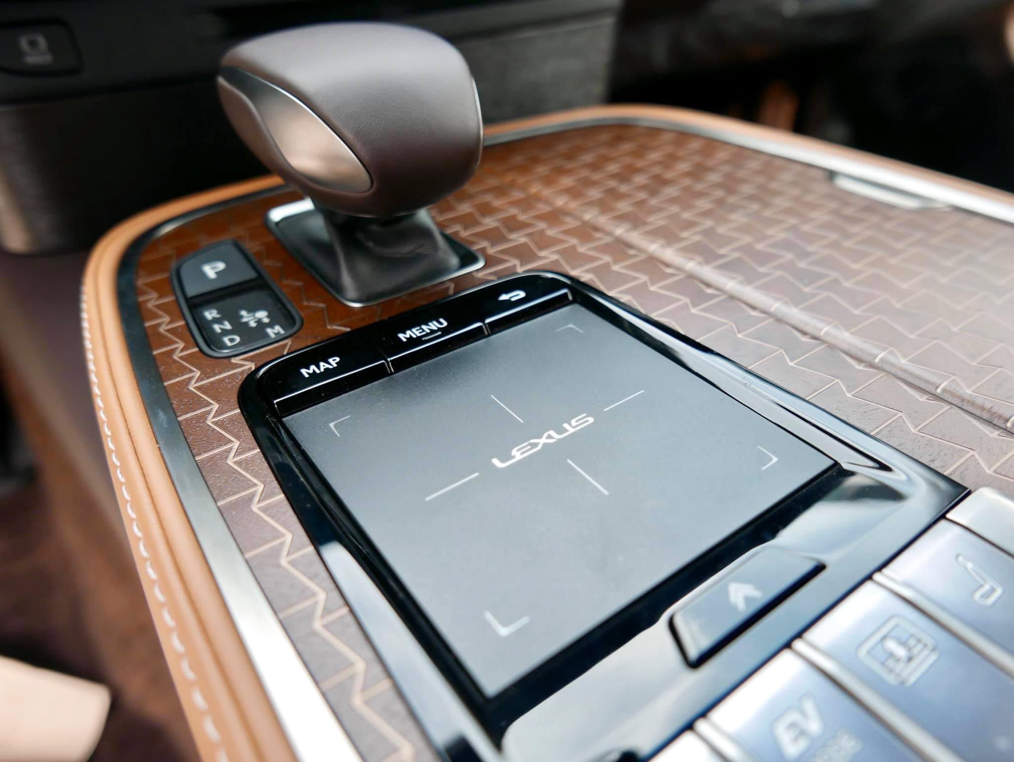 Lexus LS500h, giá 7,83 tỉ đồng tại Việt Nam - 5