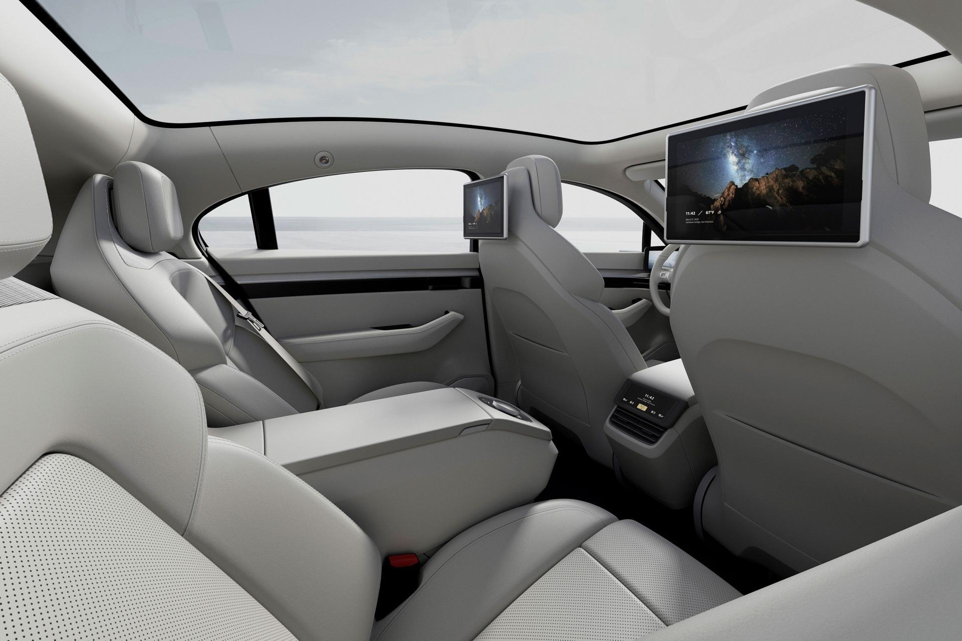 Sony bất ngờ ra mắt mẫu xe điện Vision-S tại CES 2020 - 10