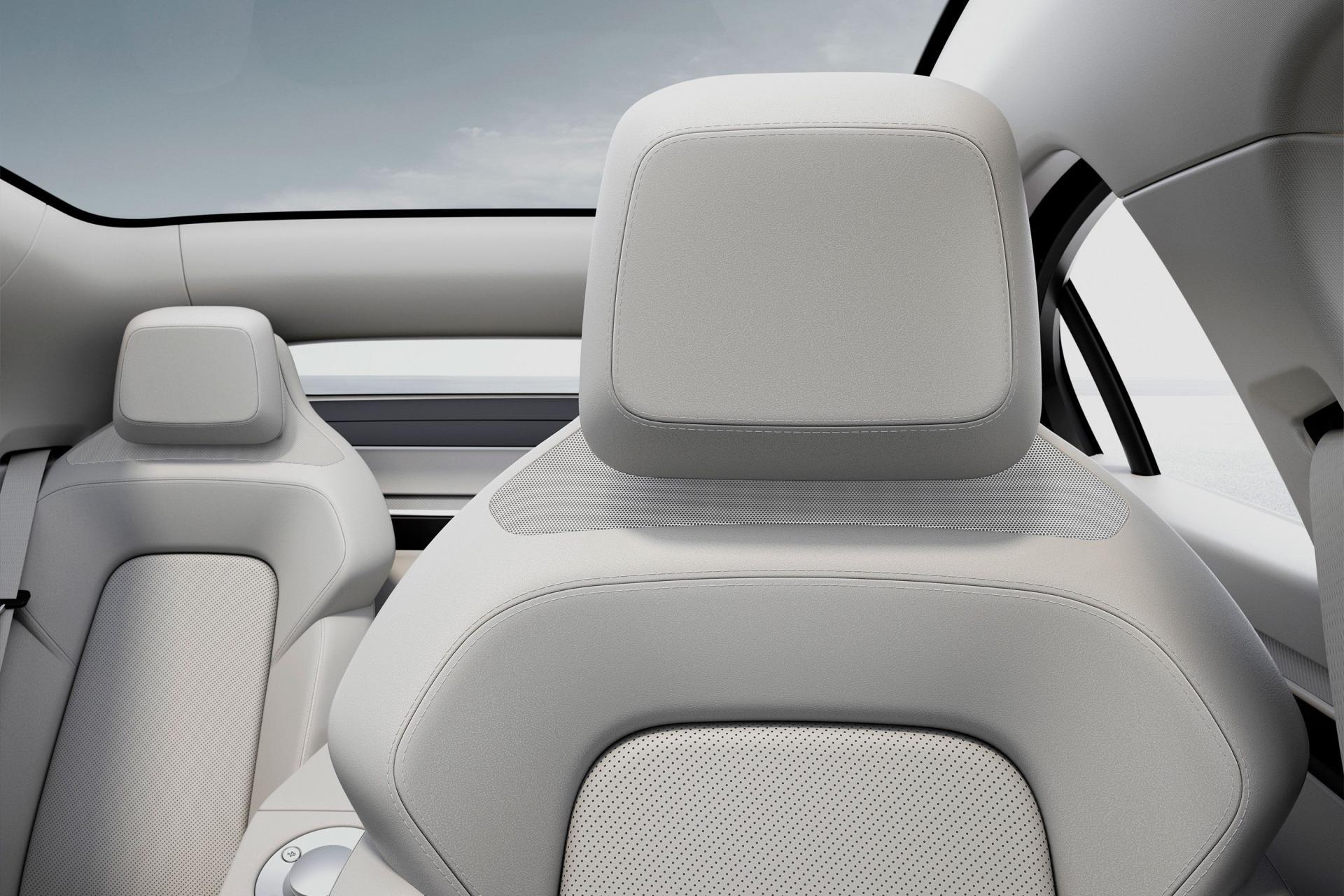Sony bất ngờ ra mắt mẫu xe điện Vision-S tại CES 2020 - 14