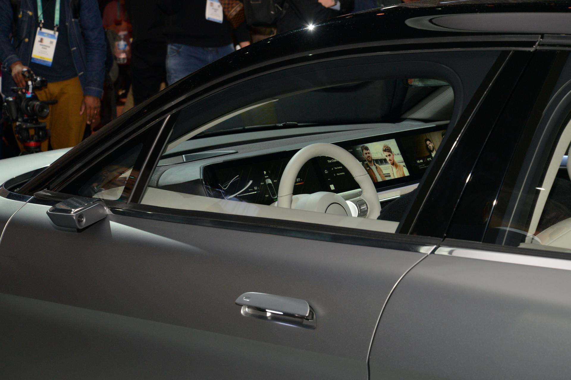 Sony bất ngờ ra mắt mẫu xe điện Vision-S tại CES 2020 - 18