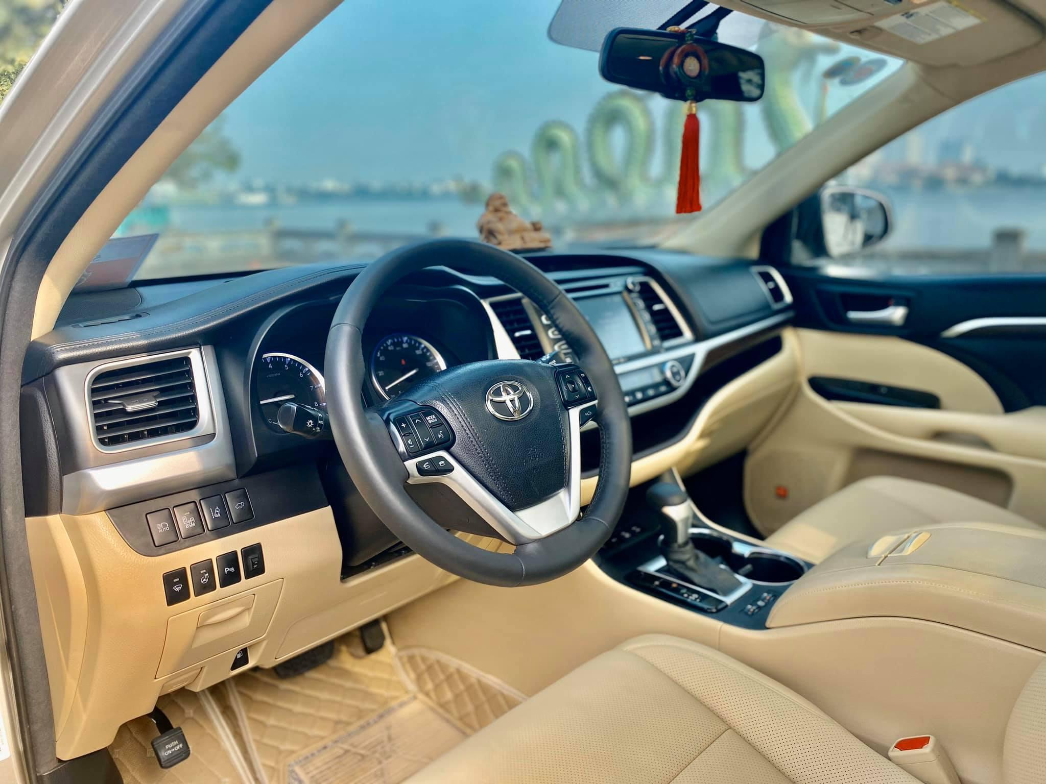 Toyota Highlander Limited 2015, 6 chỗ ngồi hàng hiếm tại Việt Nam - 3
