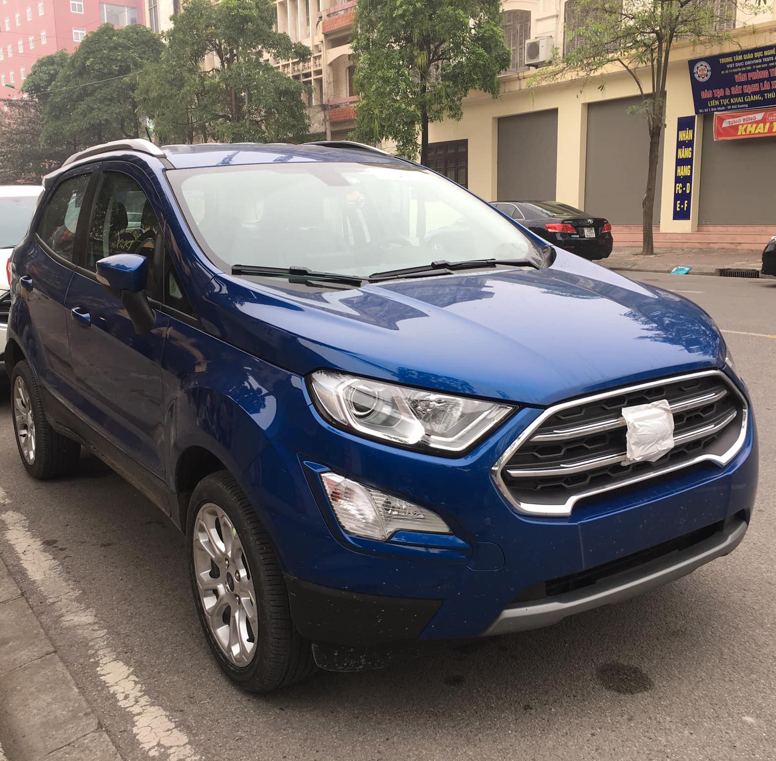 Lộ diện Ford Ecosport mới tại Việt Nam, không có bánh dự phòng - 1