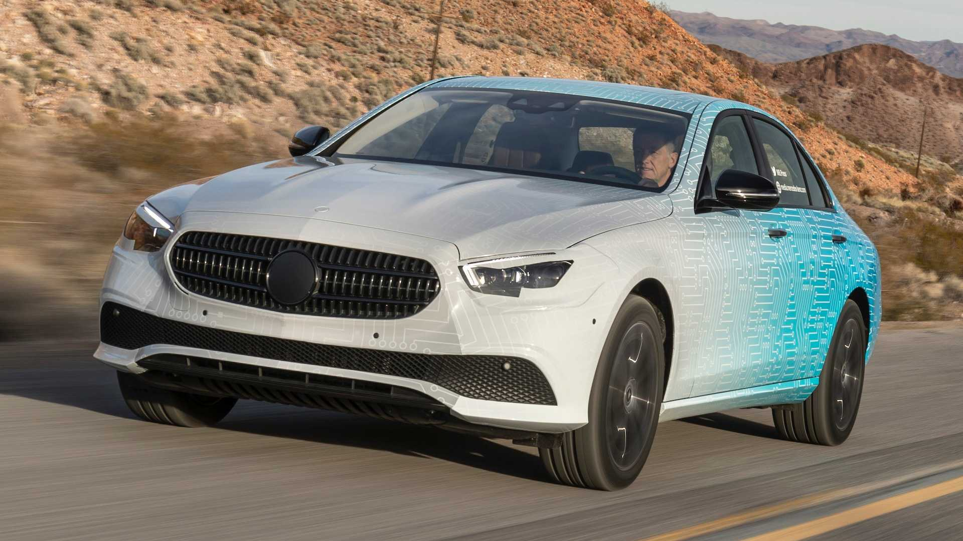 Hé lộ hình ảnh Mercedes-Benz E-Class facelift, thiết kế và động cơ mới - 03