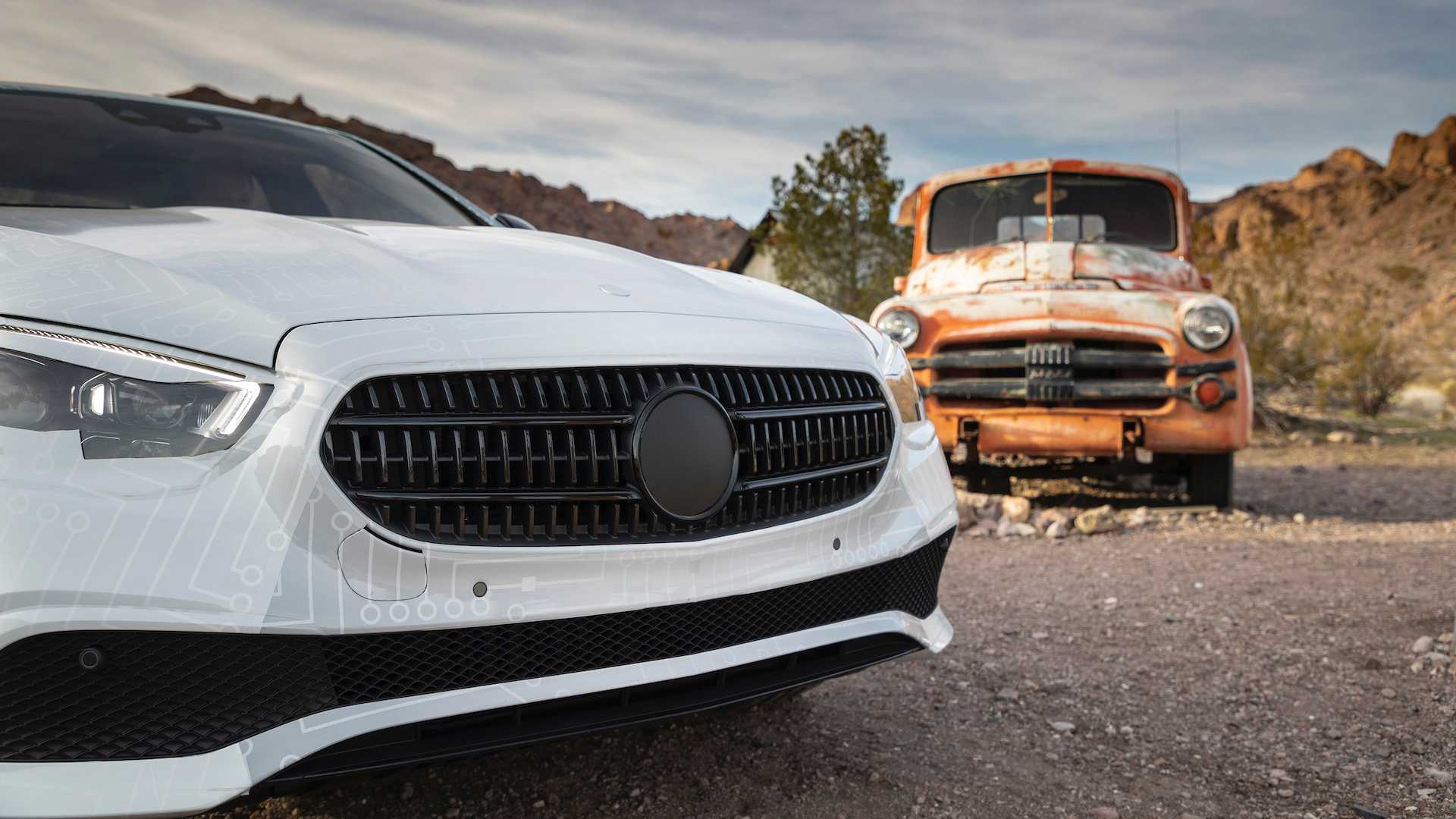 Hé lộ hình ảnh Mercedes-Benz E-Class facelift, thiết kế và động cơ mới - 11