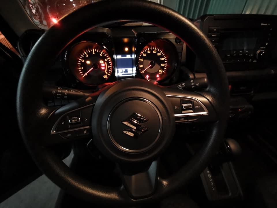 Suzuki Jimny - xế off-road tí hon đầu tiên về Việt Nam - 4