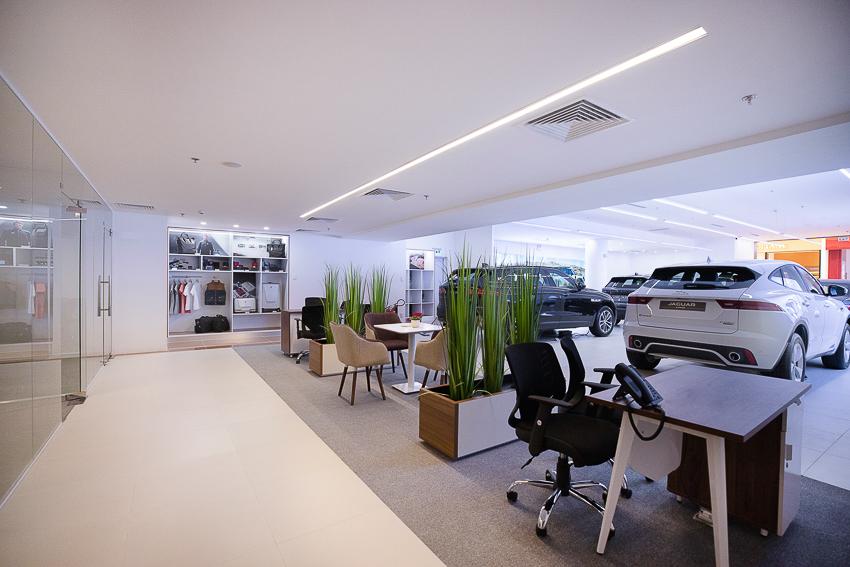 Không gian trưng bày Jaguar Land Rover đầu tiên tại thành phố Hồ Chí Minh - 22