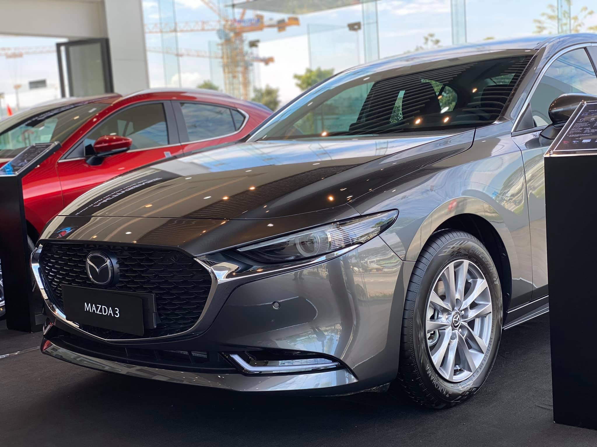 Cận cảnh Mazda3 2020 phiên bản Premium giá 839 triệu đồng tại Việt Nam - 3