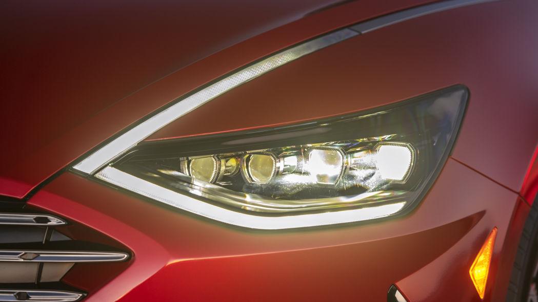 Hyundai Sonata 2020 có phiên bản Hybrid, pin sạc bằng năng lượng mặt trời - 06
