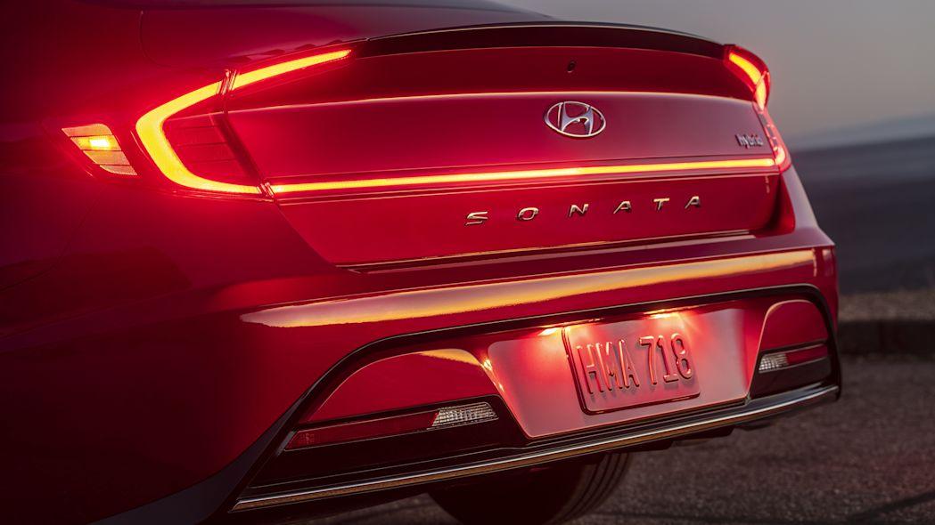 Hyundai Sonata 2020 có phiên bản Hybrid, pin sạc bằng năng lượng mặt trời - 08