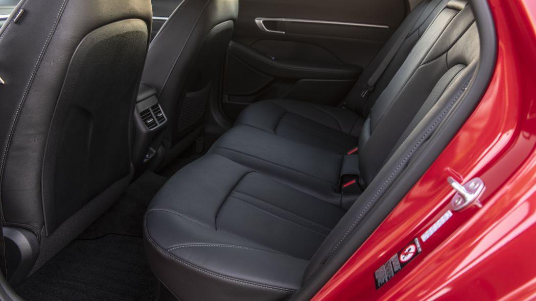 Hyundai Sonata 2020 có phiên bản Hybrid, pin sạc bằng năng lượng mặt trời - 02