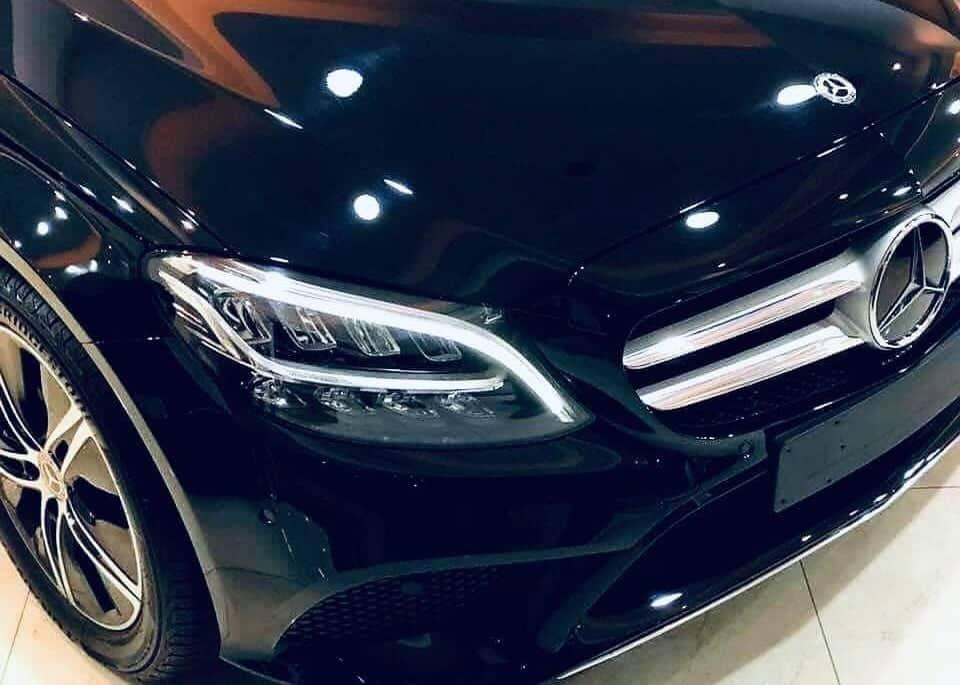 Diện kiến Mercedes-Benz C180 2020 sắp ra mắt tại Việt Nam - 02