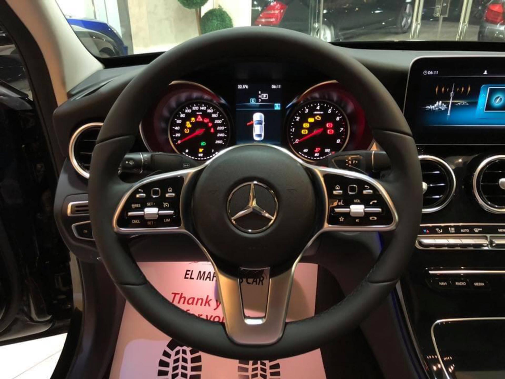 Diện kiến Mercedes-Benz C180 2020 sắp ra mắt tại Việt Nam - 3