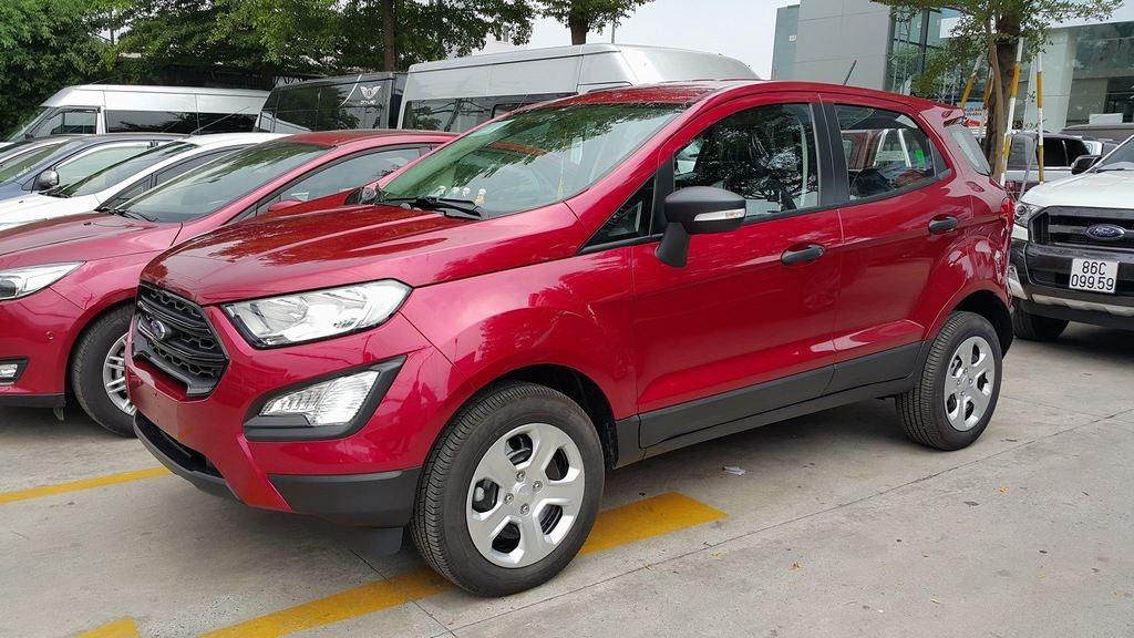 Ford EcoSport phiên bản Ambiente không được ưa chuộng vì quá ít trang bị tiện nghi.