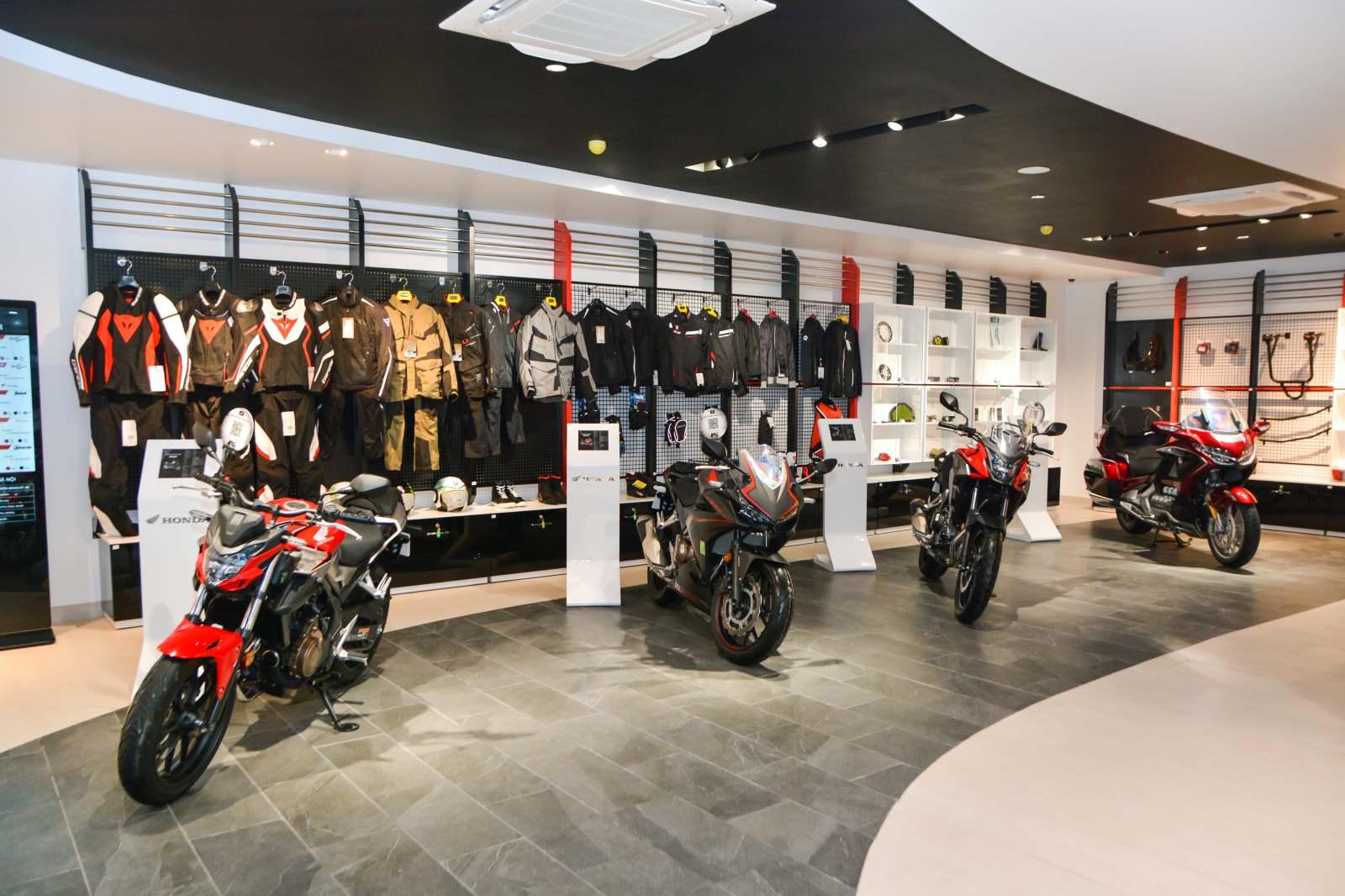 Honda khai trương cửa hàng xe phân khối lớn đầu tiên tại Hà Nội - 02