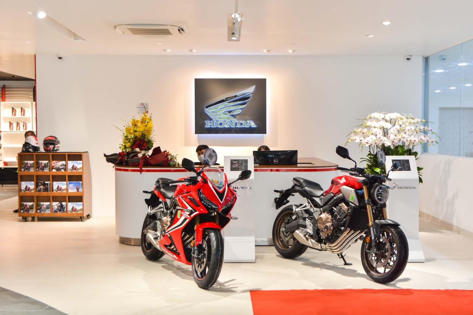 Honda khai trương cửa hàng xe phân khối lớn đầu tiên tại Hà Nội - 04