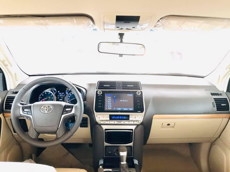 Cận cảnh Toyota Land Cruiser Prado 2020 giá hơn 2,3 tỷ tại Việt Nam - 5