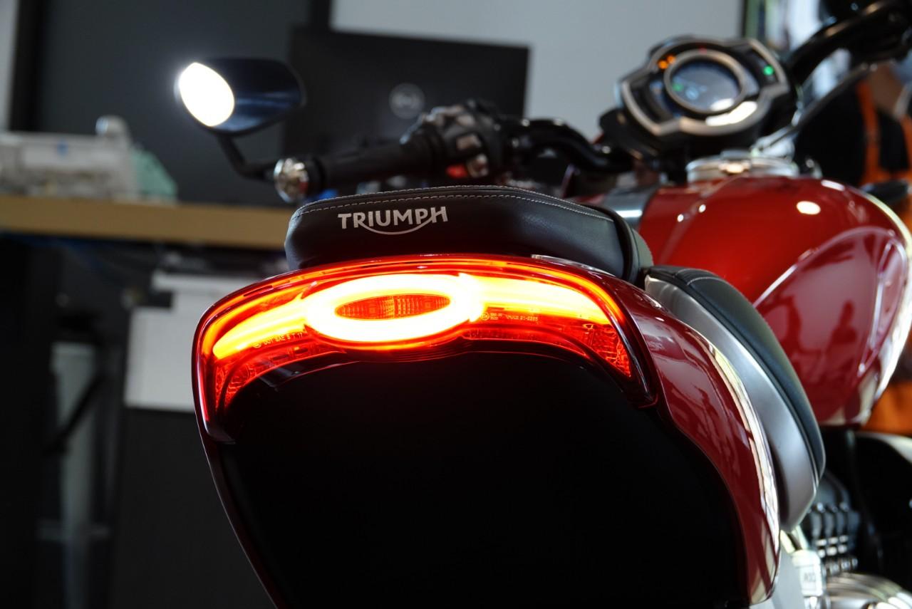 Triumph Rocket 3 giá từ 869 triệu tại Việt Nam - 7