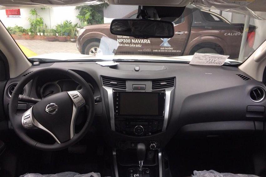Nissan Terra giảm giá 120 triệu đồng - 03