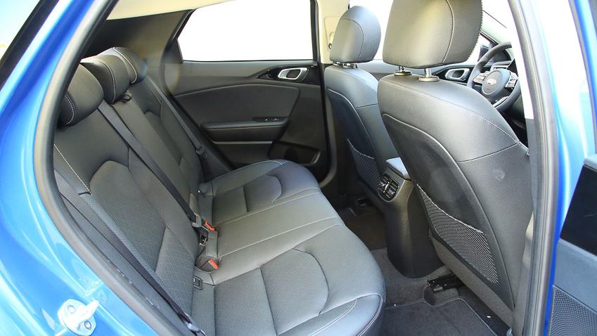 Kia XCeed 2020 bản mới có thêm màu sơn đặc biệt, có thêm lựa chọn máy dầu 1.6 - 9