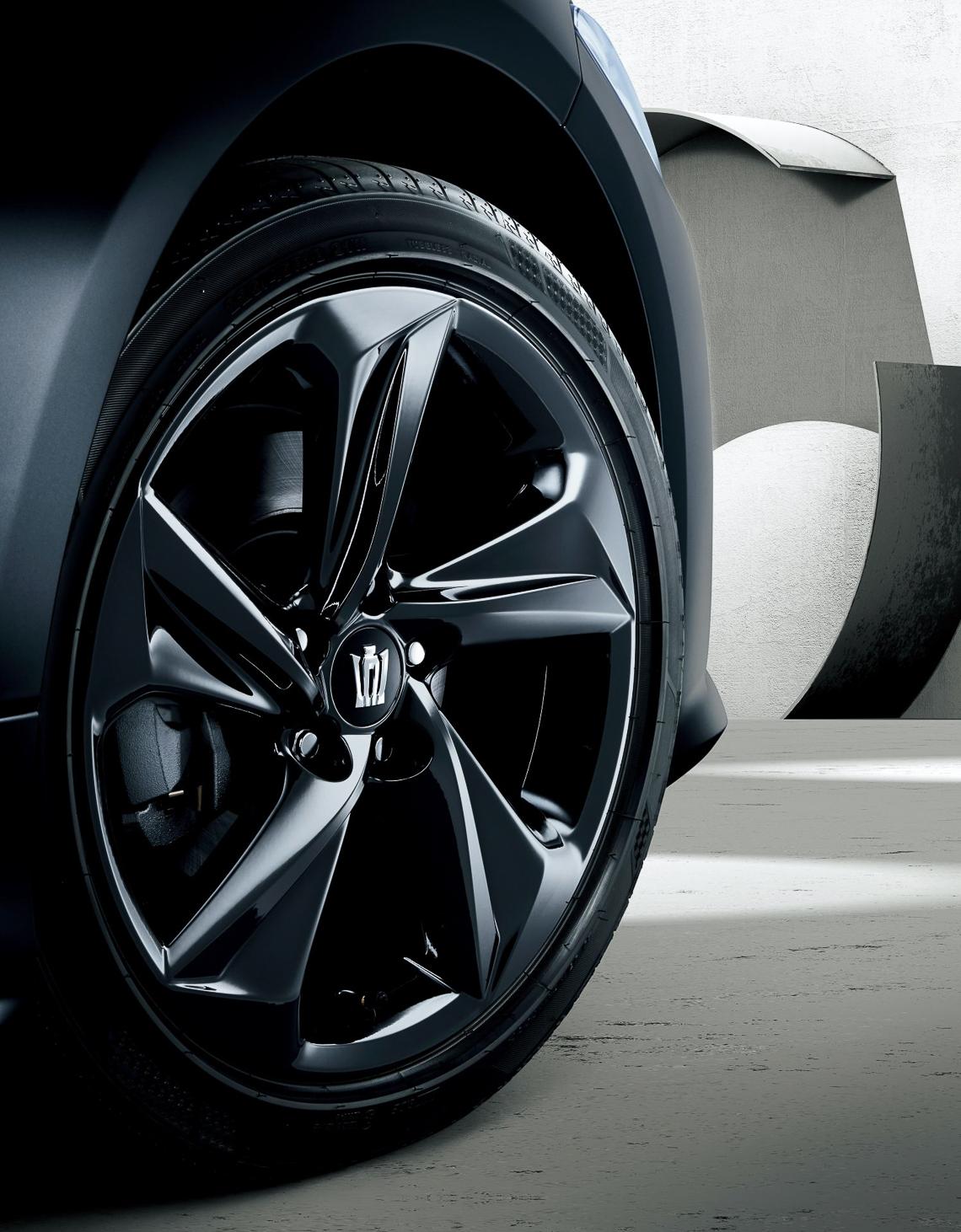 Toyota Crown phiên bản kỷ niệm 65 tuổi của mẫu xe huyền thoại - 02