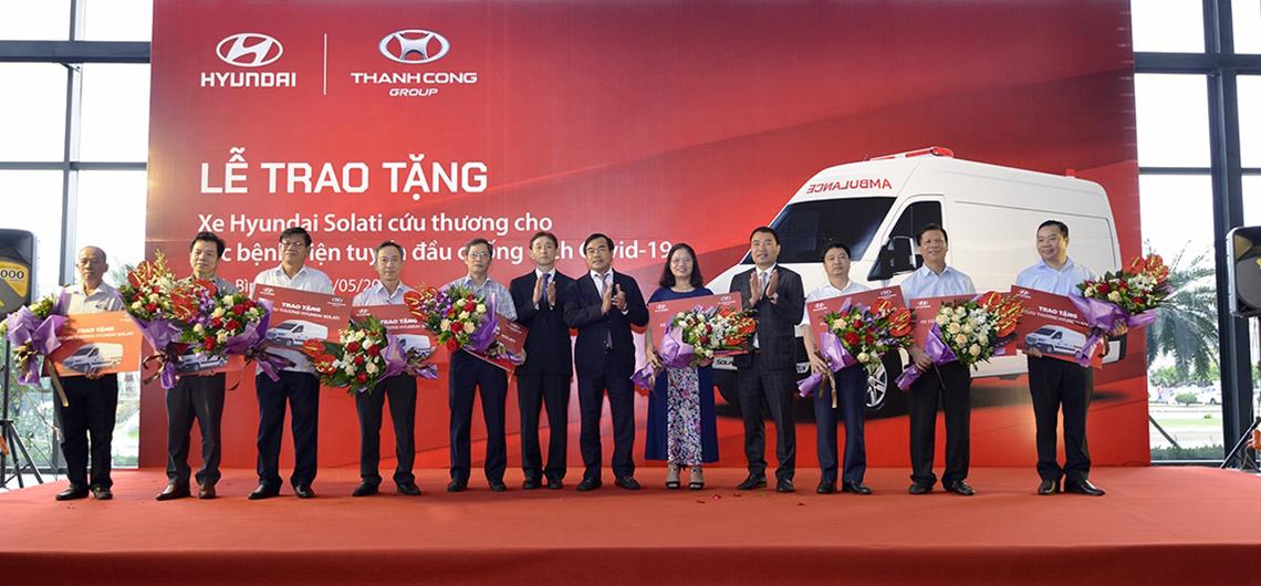 Tập đoàn Thành Công và Hyundai Motor tặng 10 xe Solati cứu thương cho các cơ sở y tế tuyến đầu chống dịch - 01
