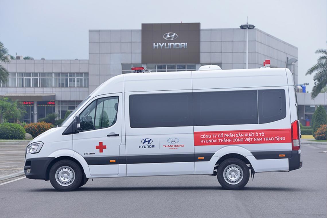 Tập đoàn Thành Công và Hyundai Motor tặng 10 xe Solati cứu thương cho các cơ sở y tế tuyến đầu chống dịch - 03
