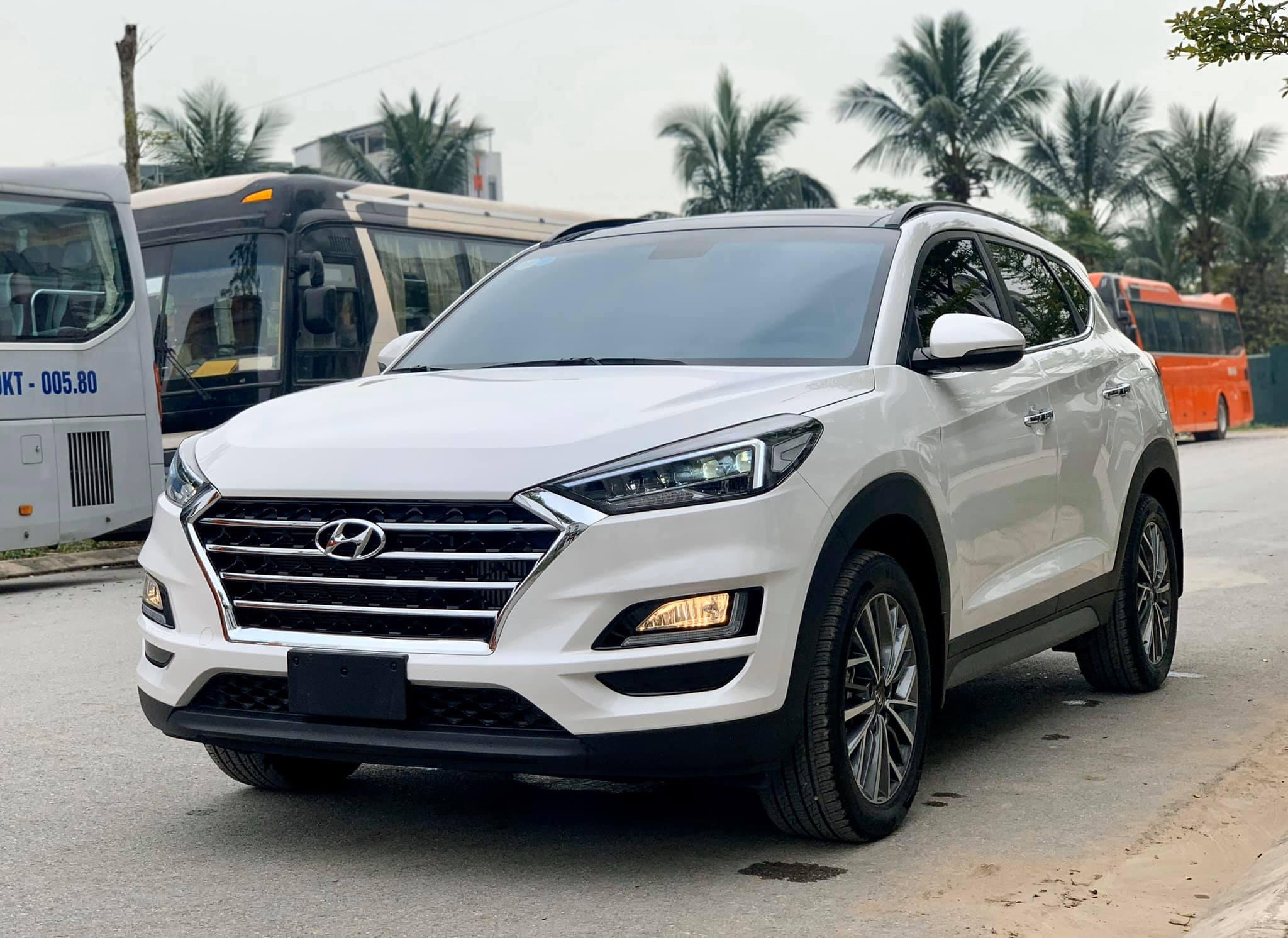Hyundai Tucson máy dầu giảm giá mạnh 75 triệu đồng - 2