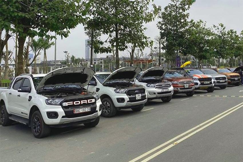 Ford thừa nhận xe chảy dầu, cách xử lý 'đùn đẩy' khiến khách thất vọng - 01