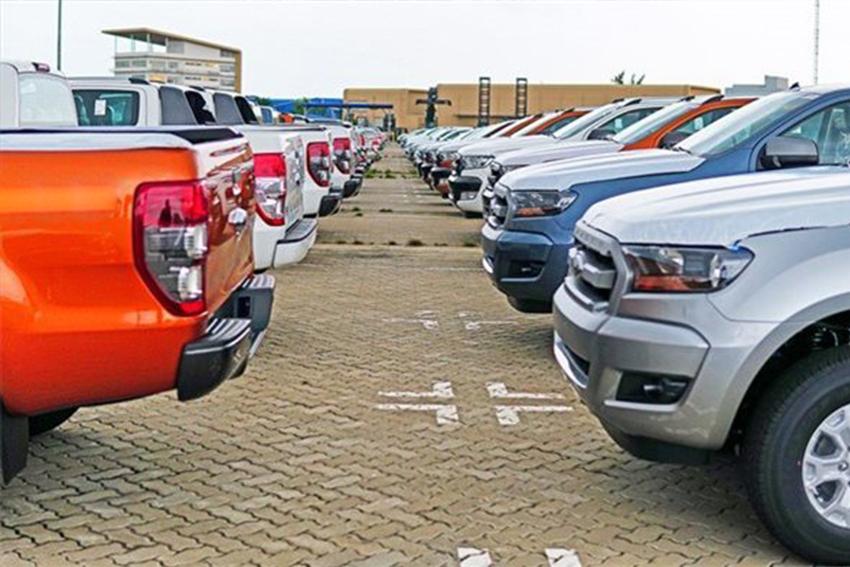 Ford thừa nhận xe chảy dầu, cách xử lý 'đùn đẩy' khiến khách thất vọng - 02