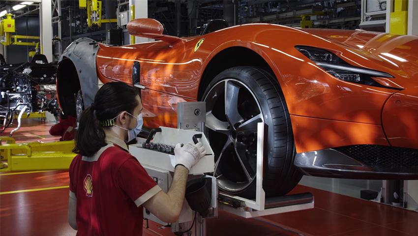 Nhà máy Ferrari sản xuất trở lại sau thời gian dài nghỉ dịch Covid-19 - 01